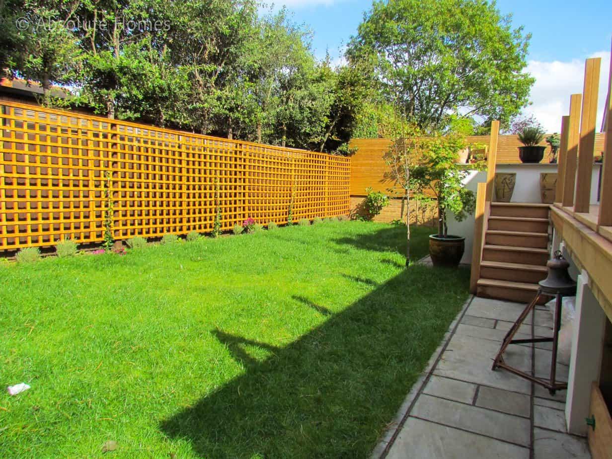 Hamilton Close, Teddington, TW11 9LA, garden 2