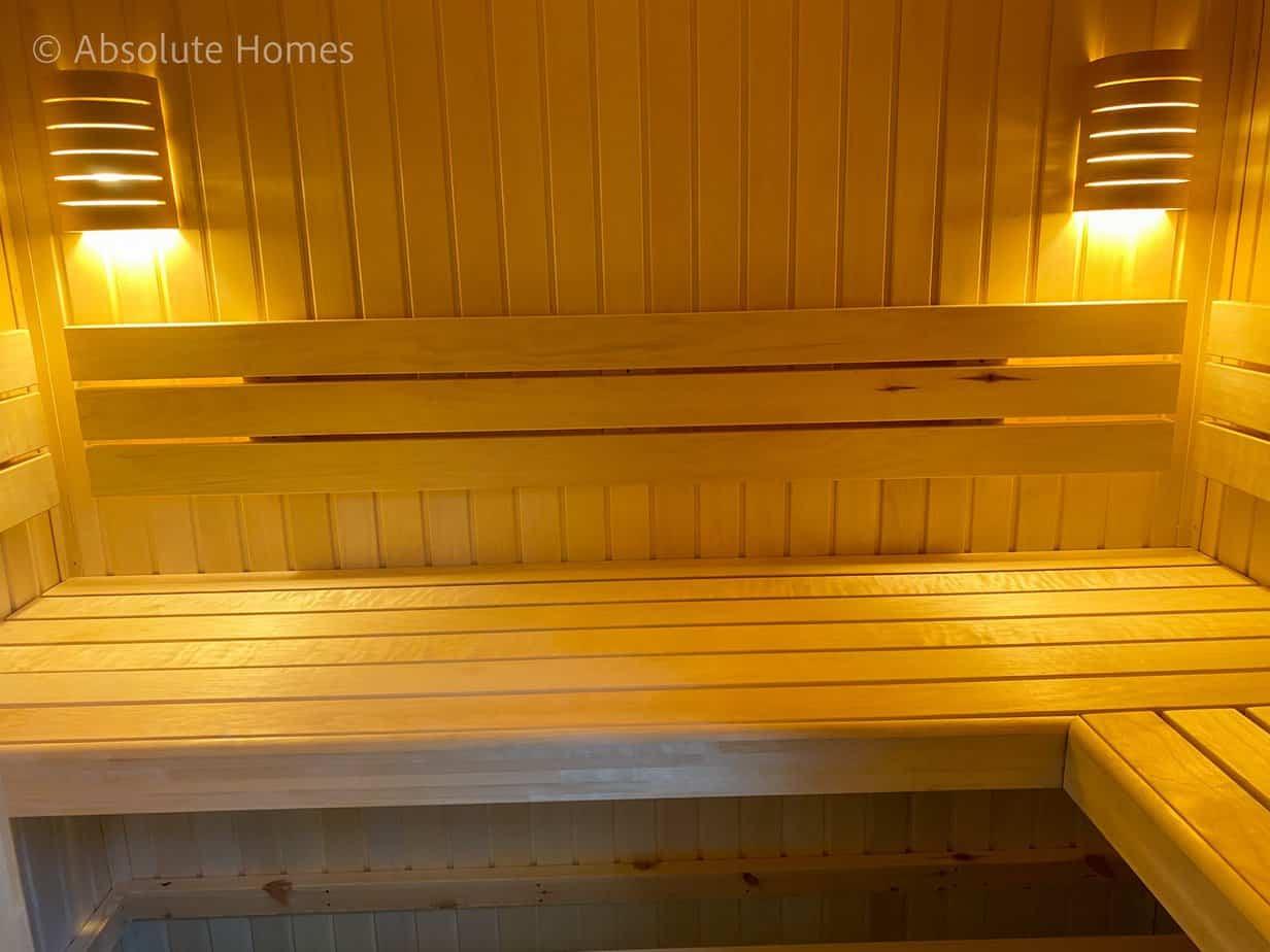 Hamilton Close, Teddington, TW11 9LA, sauna