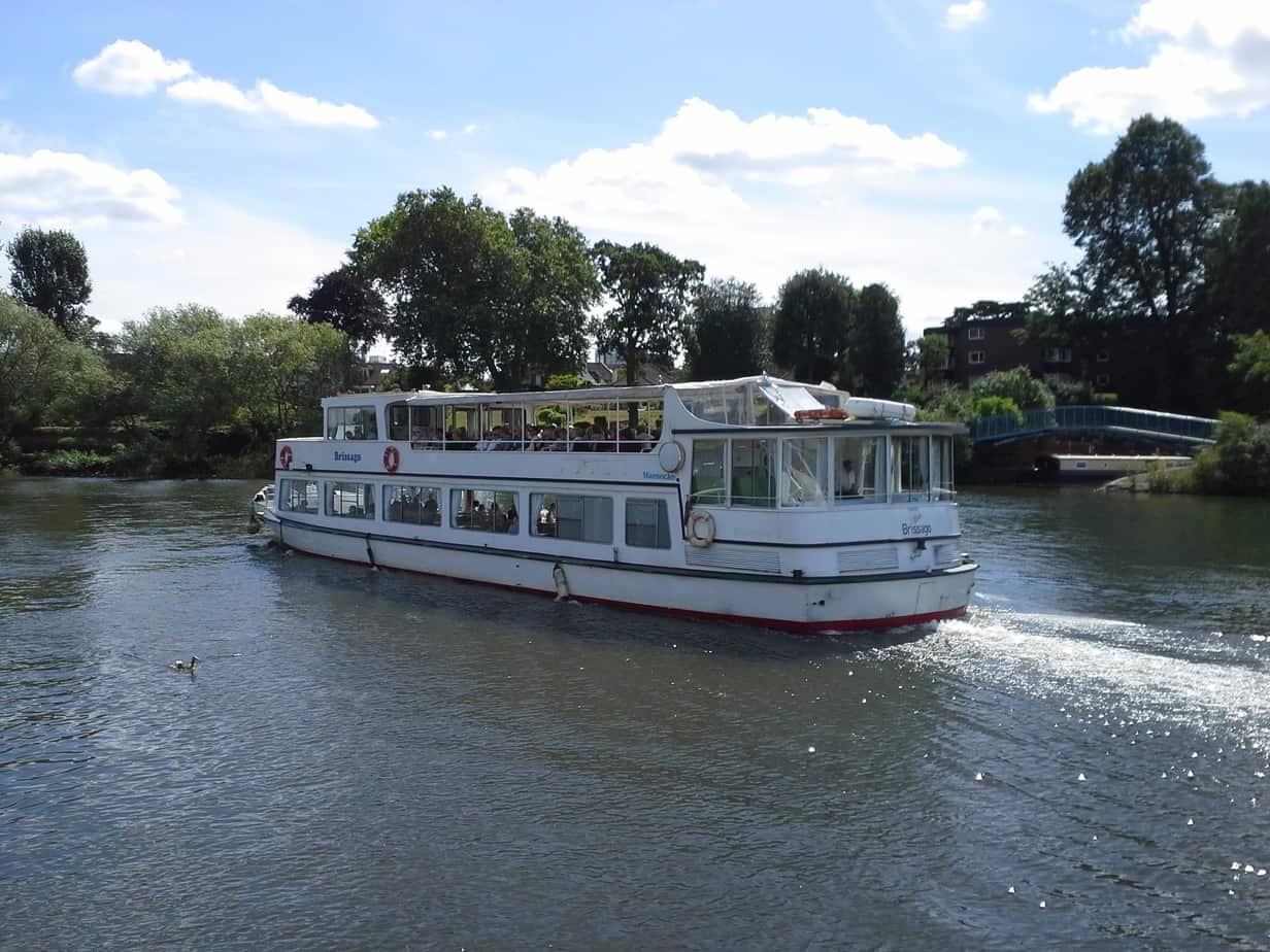 Brissago houseboat KT12 2JD
