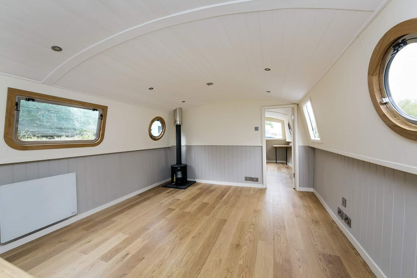 Widebeam-narrowboat-for-sale-Lounge-Home-Comforts TW12 2HF